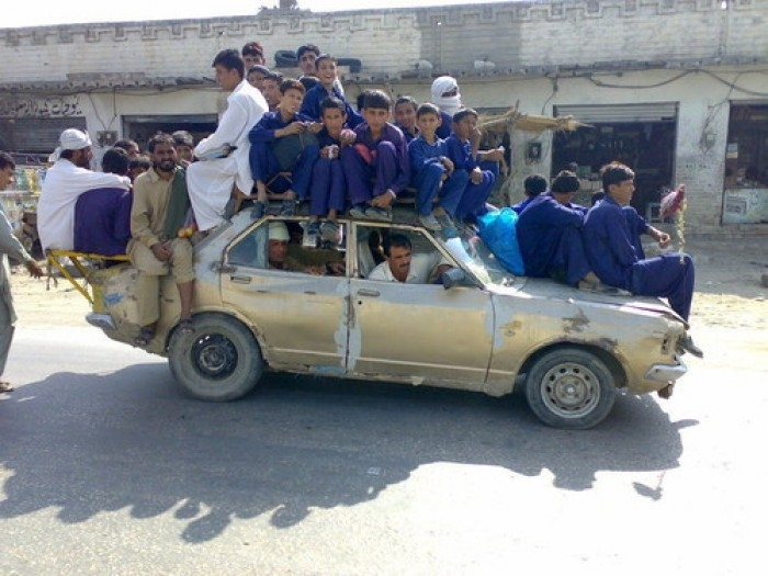 How many people on The car ?