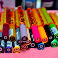 How many paint pens are there?