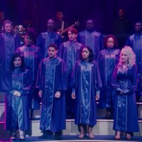 How many singers are in the picture?